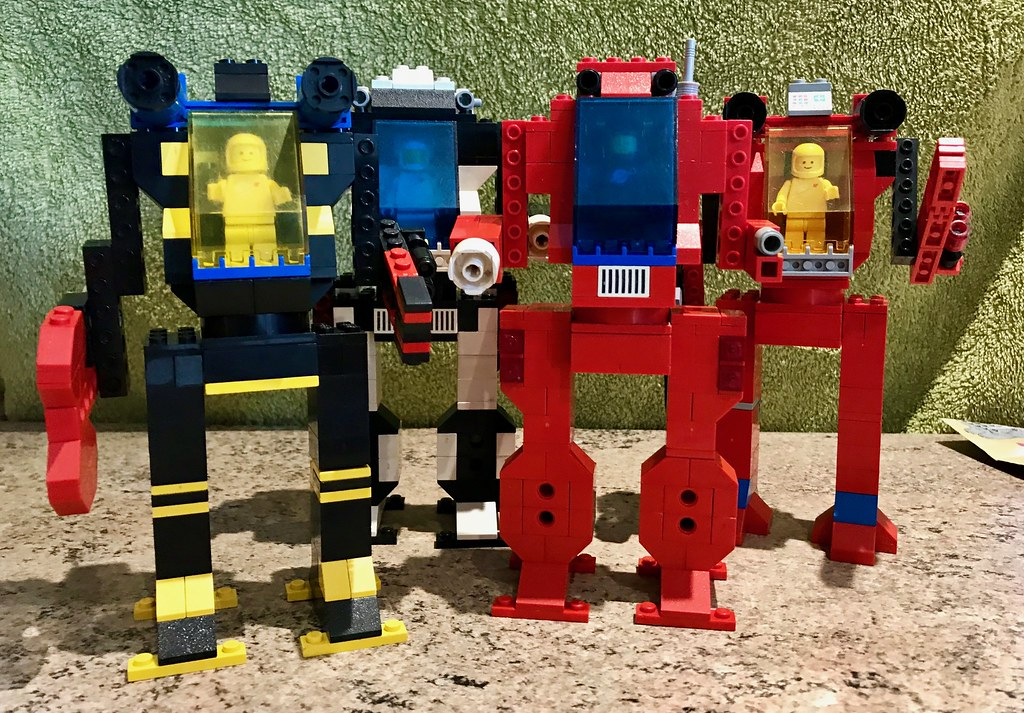 LEGO mechs I created 20 years ago inspired by the Mechwarrior Cartoon