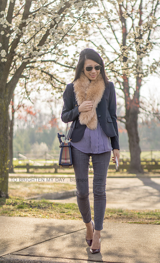 faux fur scarf, navy blazer, blue striped shirt, gray skinny jeans, navy tote, burgundy pumps