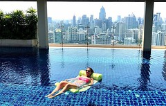 Loooooving the gorgeous weather in #bangkok this week! Every day has been eat, lift, eat, pool, eat, sleep, repeat. My kind of #staycation!