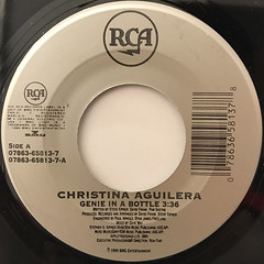 CHRISTINA AGUILERA:GENIE IN A BOTTLE(LABEL SIDE-A)