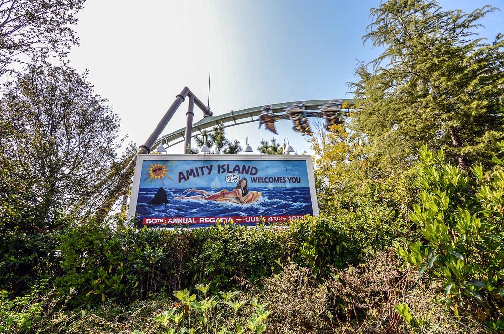 Amity Island billboard USJ