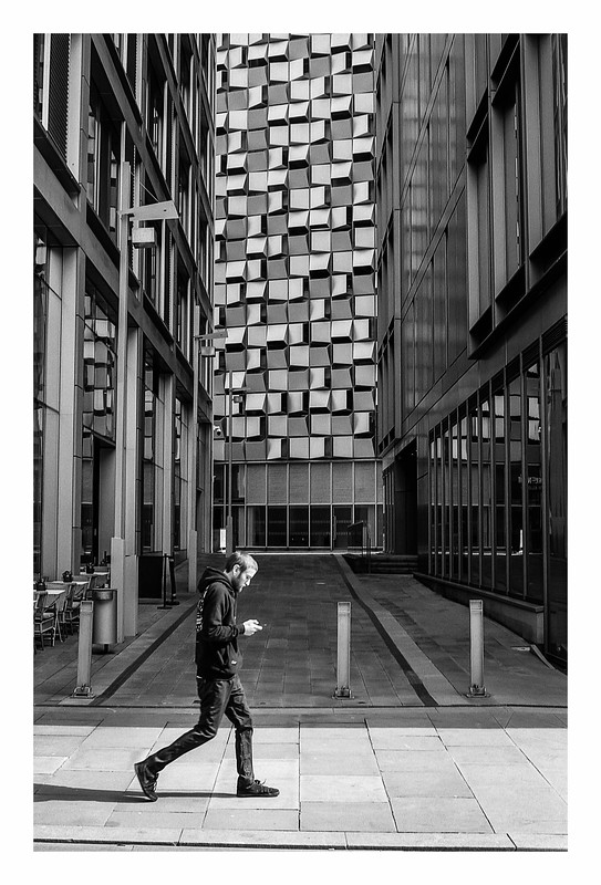 FILM - Passing the cheesegrater