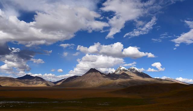 Chomo Uchong Mountain Range in north Lato, Tibet 2017