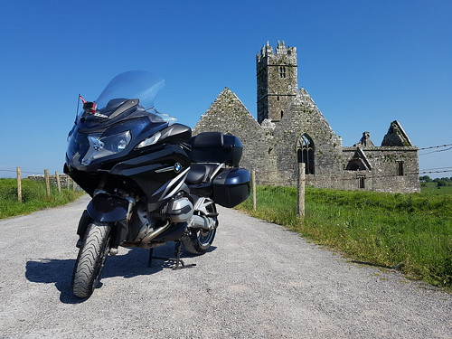 Old vs new.  #bmw #bmwmotorrad #r1200rt #carbonblack #friary #abandoned