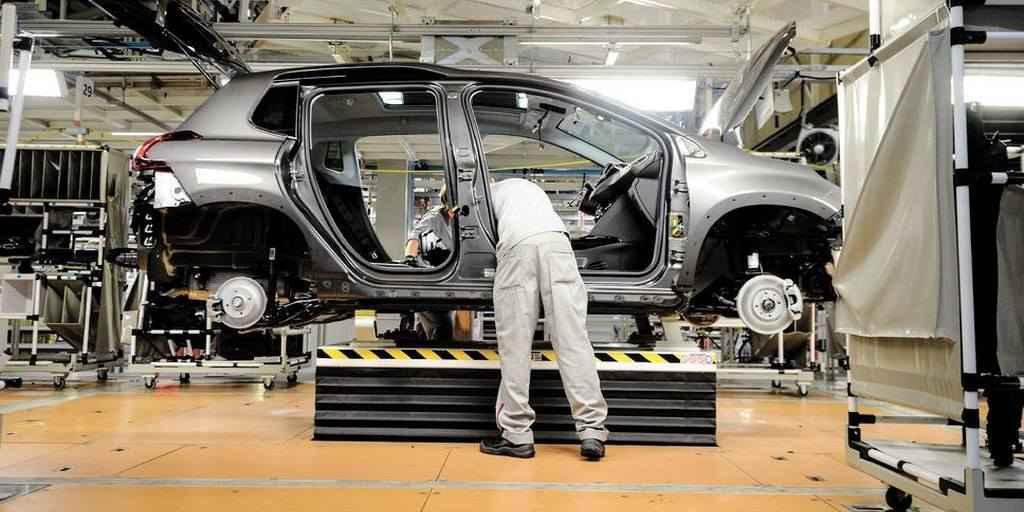 Projet d'autos électriques avec Peugeot-Citroën : Québec n'est pas intéressé