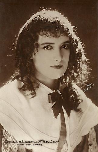 Denise Legeay in Vingt ans après (1922)