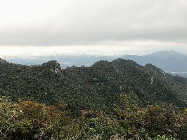 仙ヶ岳 山頂より南尾根振り返り