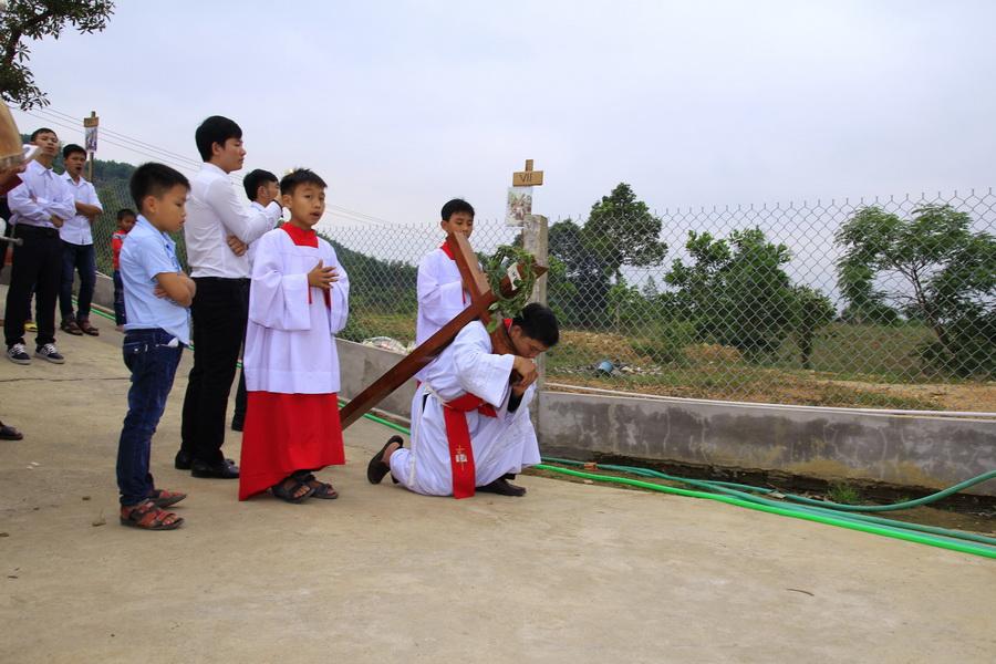 Tam Nhật Vượt Qua tại giáo họ Ba Tơ, Giáo xứ Bàu Gốc
