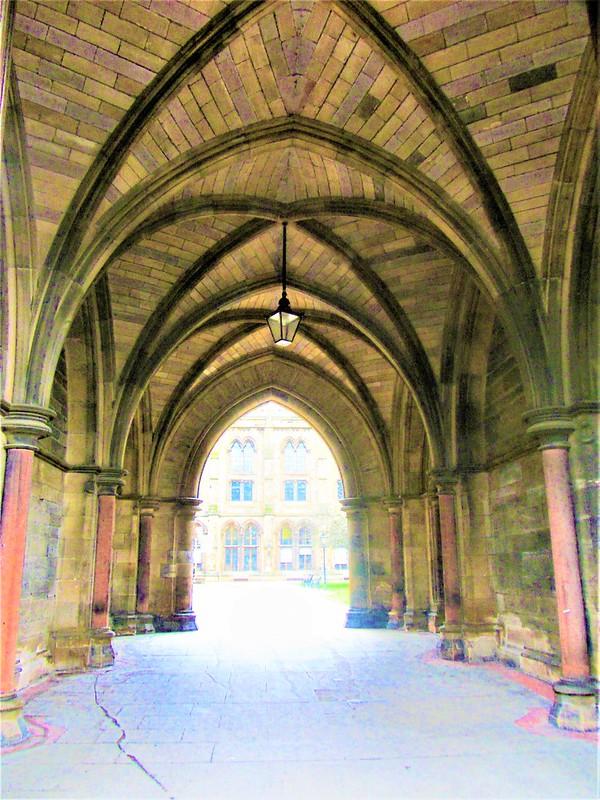 university-of-glasgow-ecosse-cloisters-thecityandbeauty.wordpress.com-blog-voyage-IMG_9473 (4)