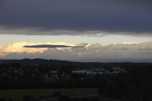 20120926 28 025 Jakobus Oloron Pyrenäen Wolken Sonne_K