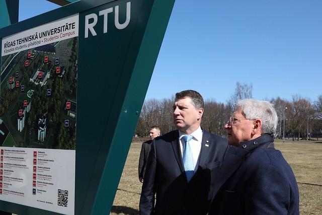 Valsts prezidenta Raimonda Vējoņa vizīte RTU studentu pilsētiņā
