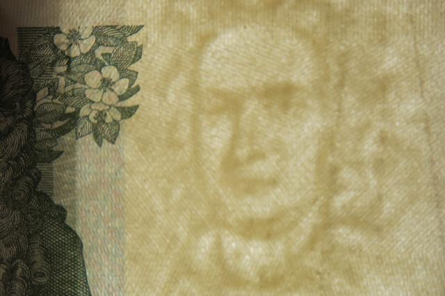Sir Isaac Newton, Canon POWERSHOT G5 X