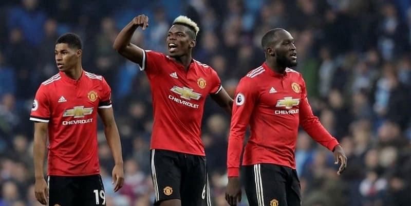 Mourinho Tidak Mau Menanggapi Masalah Bisik-bisik Pogba dan Guardiola