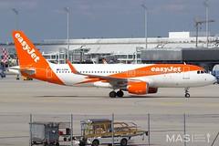 easyJet A320-200 G-EZRM @ MUC