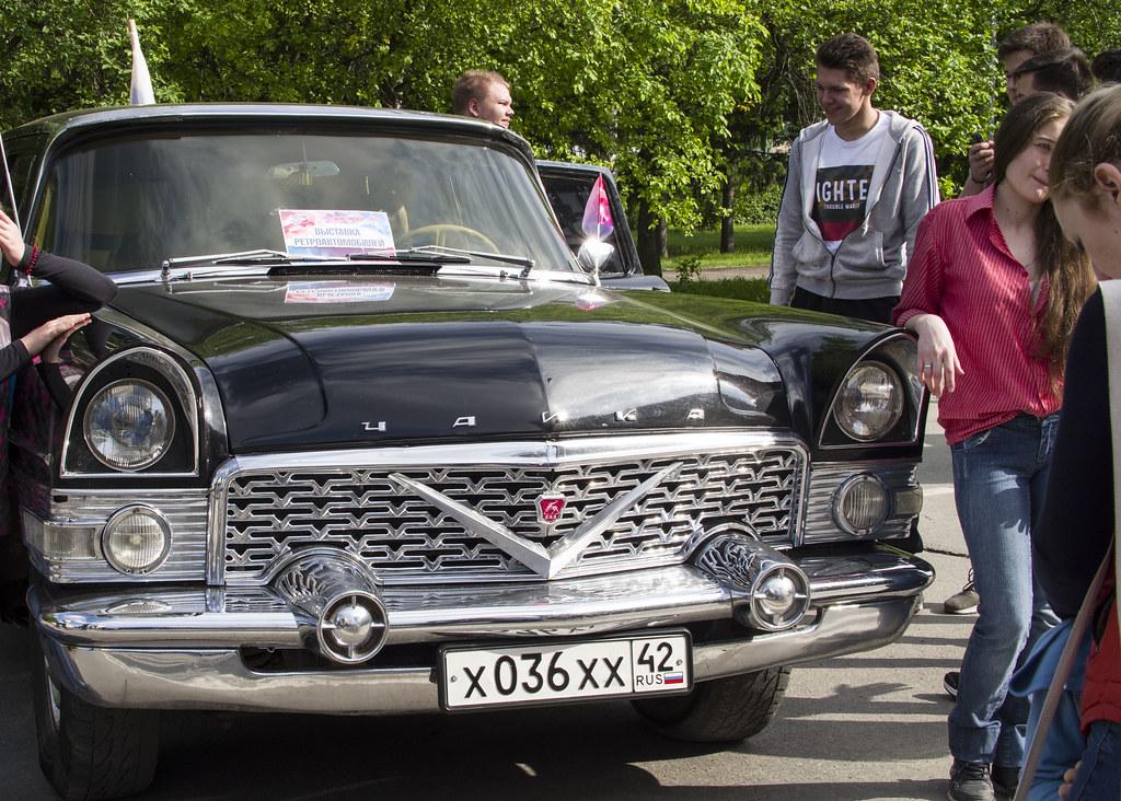 Ретро-выставка автомобилей