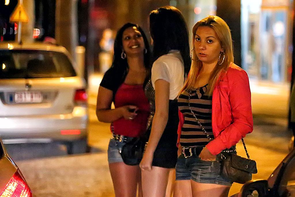 Как и где правильно снять проститутку девочка подросток сняла