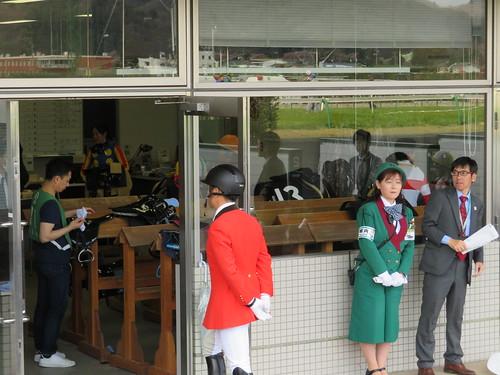 福島競馬場の検量室の中の様子