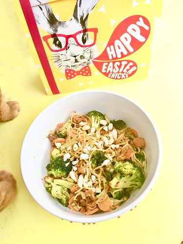 årstiderna organic vegan food ambassador, march 2018 - vegetable wok misodressing and cashewnuts
