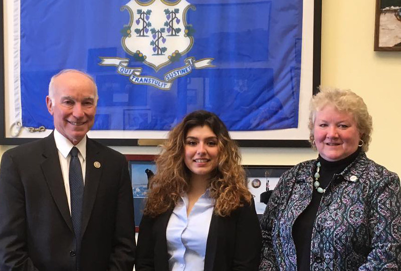 UConn 4-Her Mia Herrera met with Congressman Joe Courtney