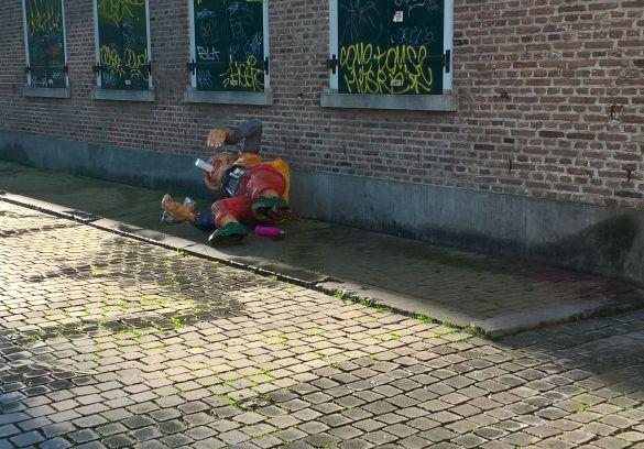 WP_20180420_08_09_11_ProBredaCingelstraatCarnavalLigtOpStraat