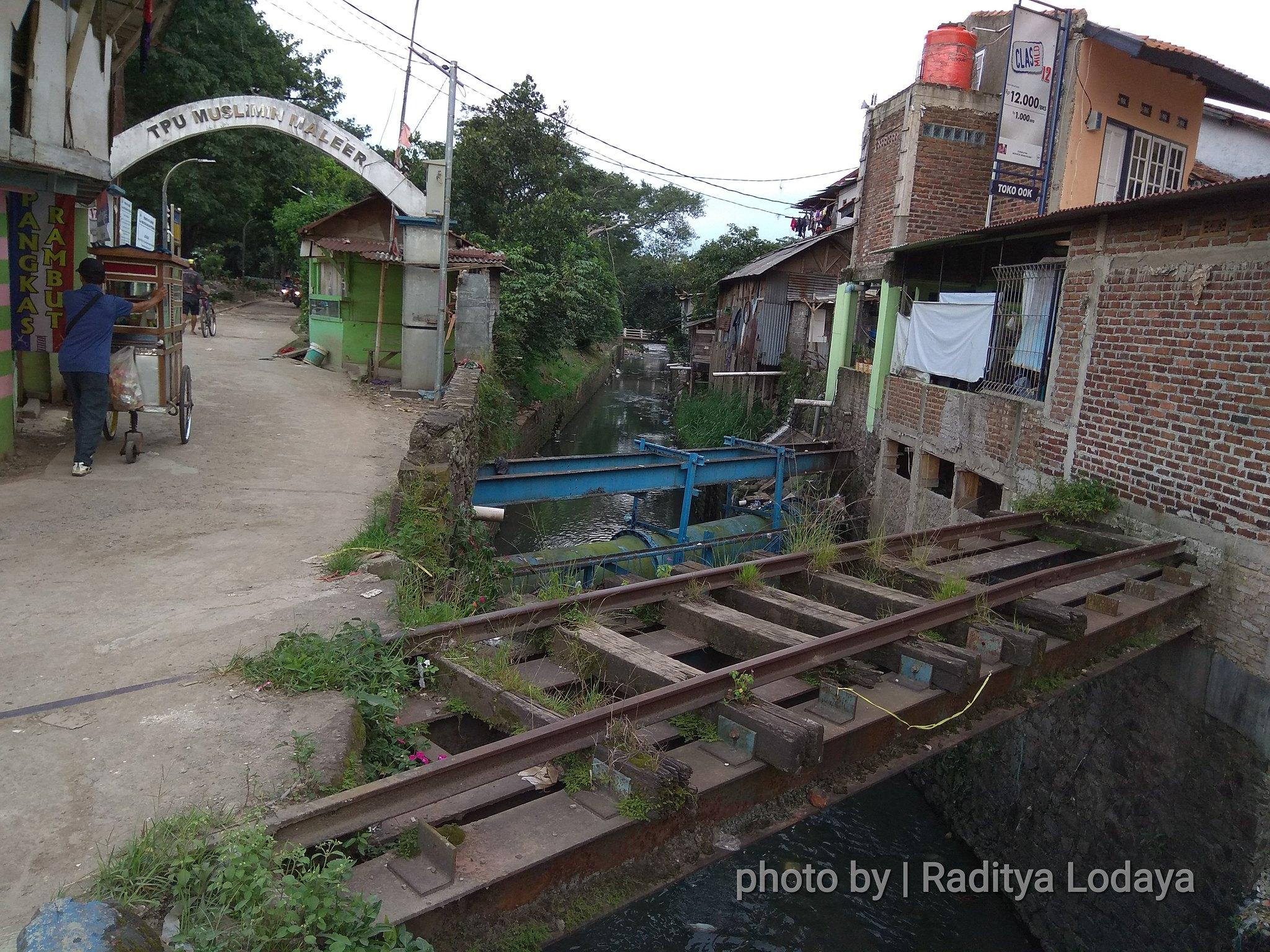 Jalur Kereta Api Mati di Bandung (3): Jembatan di petak Cibangkong-Cibangkong Lor (1/2)