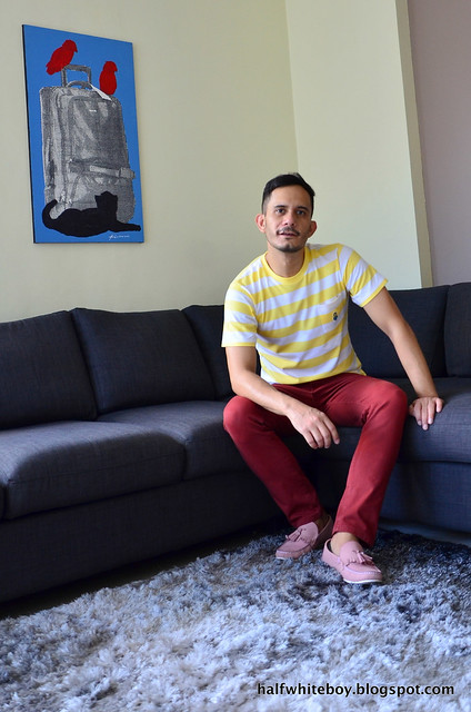 halfwhiteboy - striped uniqlo minions t-shirt and colored jeans 04