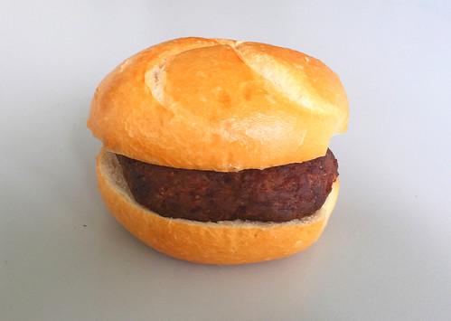 Fleischpflanzerlsemmel / Meat ball bun