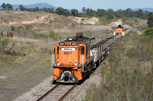 4827 + TRAIN + 4819 EMPTY RAILSET PELTON LINE AT GILLIESTON HEIGHTS