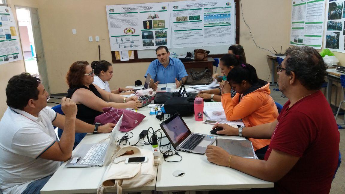Alunos do Frei Ambrósio apresentam projeto interdisciplinar sobre a soja , professores ambrosio