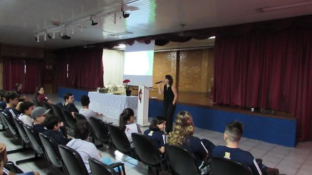 Celebração de Páscoa com alunos do Colégio Metodista de Ribeirão Preto - 2018