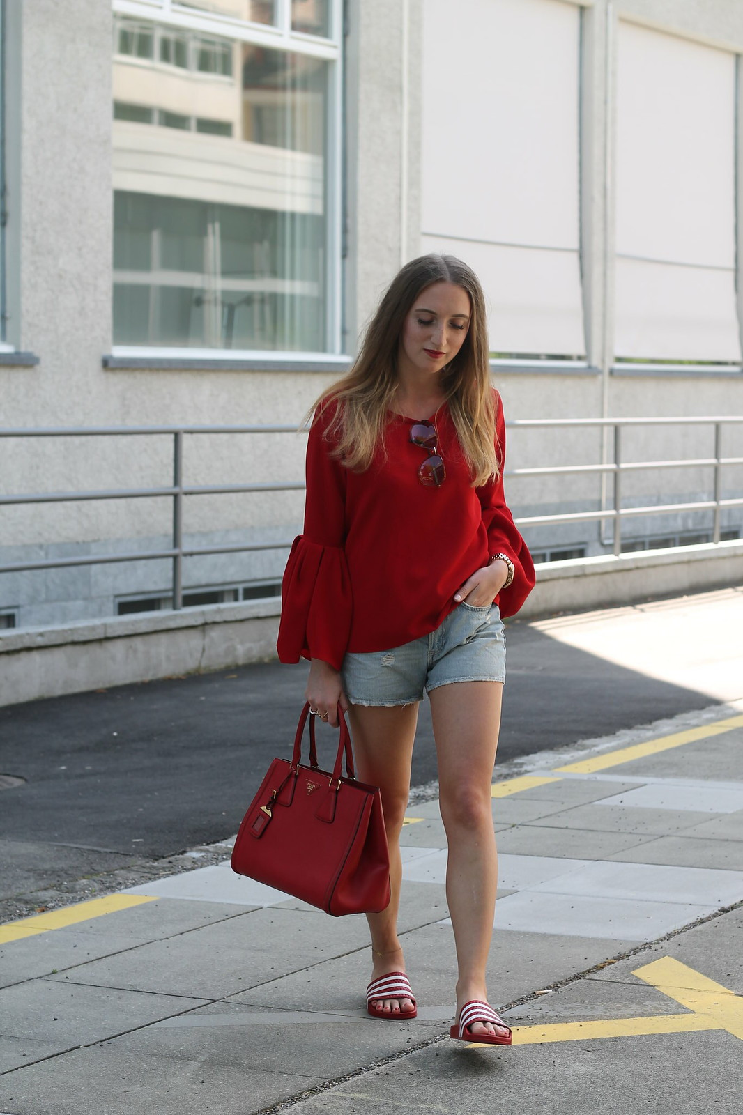red-blouse-and-adiletten-whole-outfit-wiebkembg