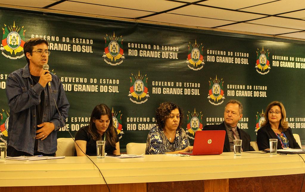 O professor e assentado Ivori lembrou que o RS têm um dívida histótica com as populações do campo. Foto Catiana de Medeiros.jpg