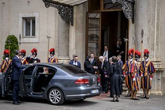 Премиерот Заев и владина делегација на аудиенција кај Папата Франциск