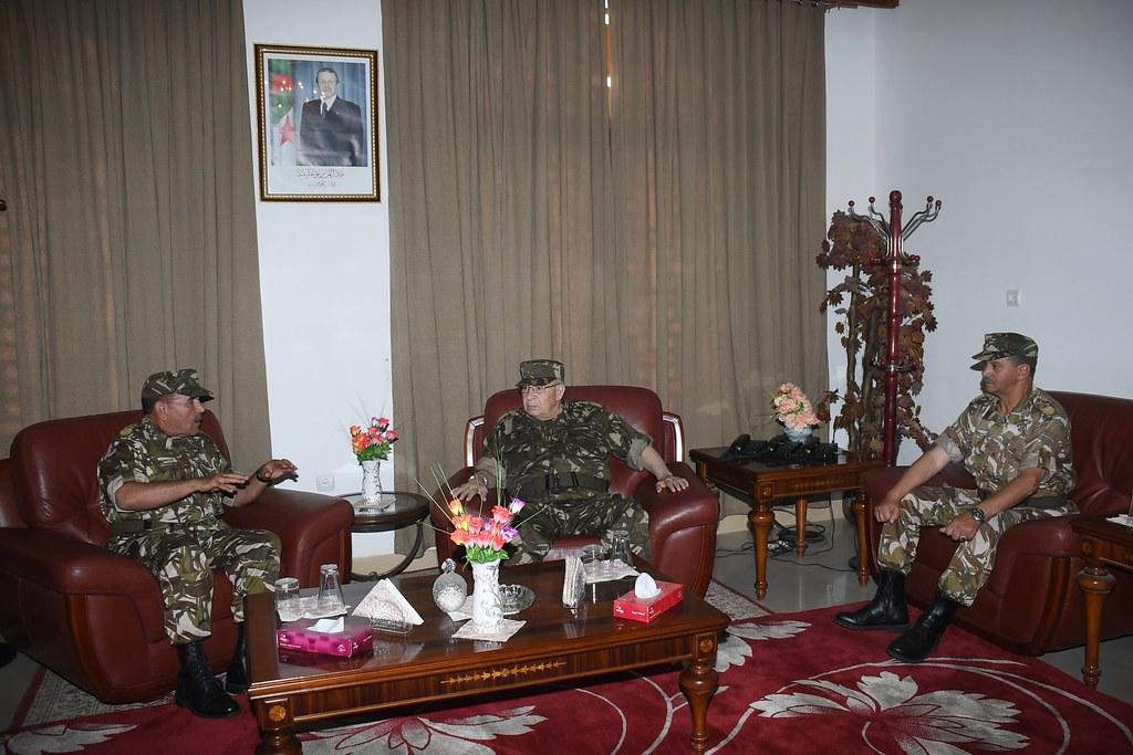 الجزائر : صلاحيات نائب وزير الدفاع الوطني - صفحة 21 40579325600_da96f95866_b