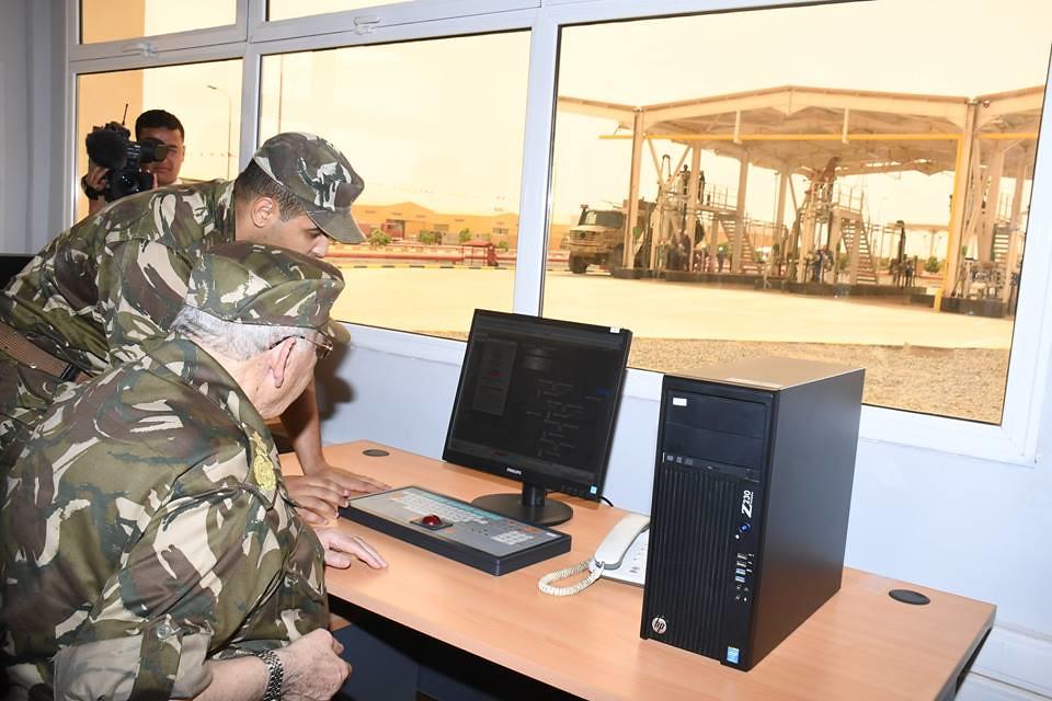 الجزائر : صلاحيات نائب وزير الدفاع الوطني - صفحة 22 40625691580_06122eeb43_b