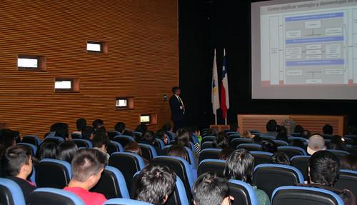 Charla Orlando Llanos en UCT