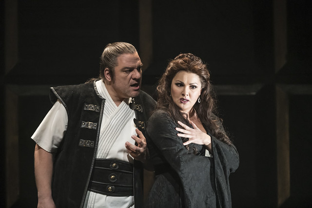 Željko Lučić as Macbeth and Anna Netrebko as Lady Macbeth In Macbeth The Royal Opera Season 2017/18 © ROH 2017. Photograph by Bill Cooper.