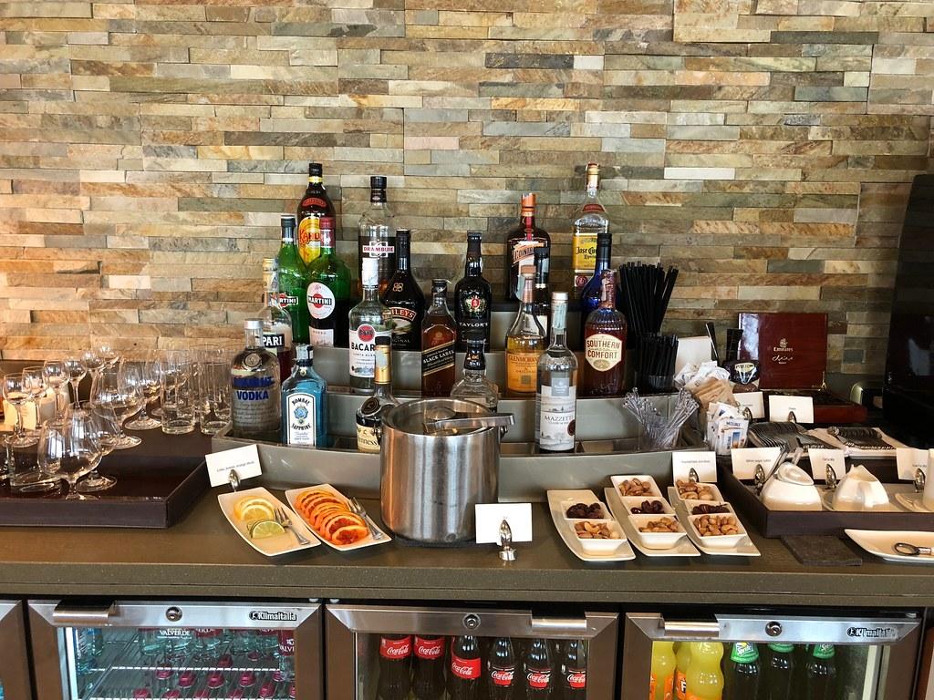 Emirates Lounge Milan MXP 28