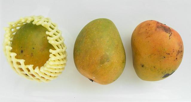 Drie mango's