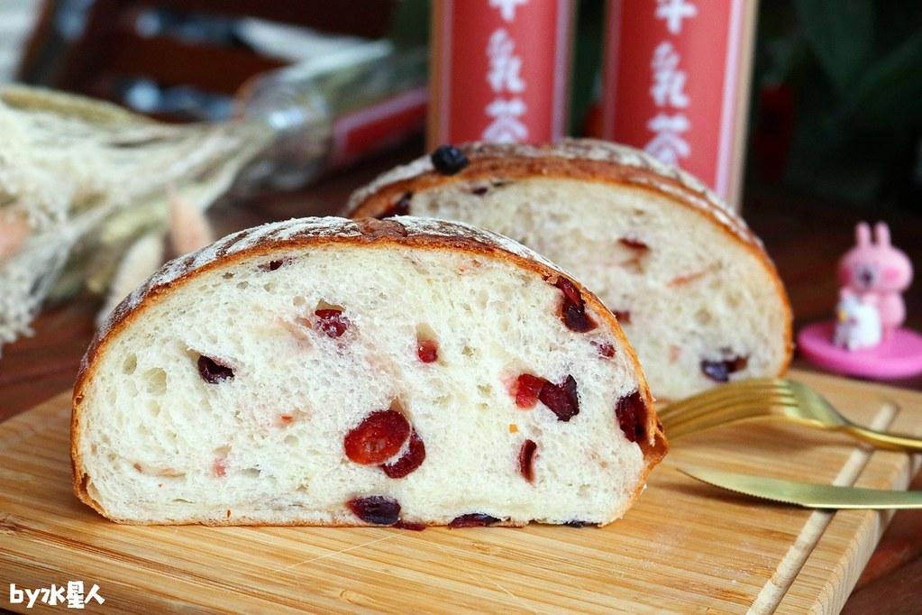28598038108 5b32b4fd45 b - 熱血採訪|本丸麵包,每日手感烘焙新鮮出爐,大推爆滿蔥仔胖、明太子法國麵包