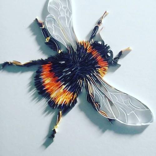 On-Edge Paper Art Bee - Rebekah Jenkins