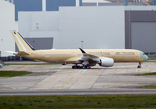 F-WZNY Airbus A350 ULR Singapore
