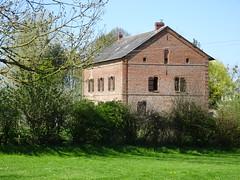 ANDAINVILLE : Bâtiment en brique (1863)