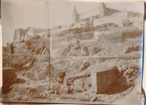 Alcázar y río Tajo en Toledo en 1898. Fotografía de un anónimo francés.