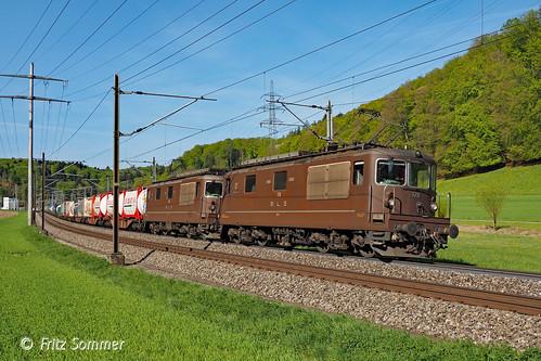Re 4/4 BLS 178 und 190 bei Wynigen, P4210989-1