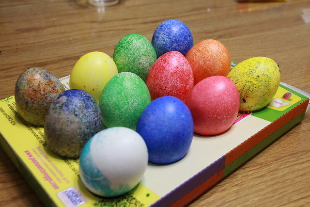 egg coloring (6)