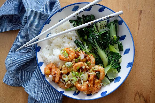 Korean Prawn Rice Bowl with Sesame Pak Choi #korean #prawns #shrimp #rice #ricebowl #bowlfood #sesame #pakchoi