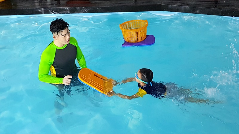swimming classes for kids in singapore