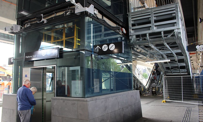 Lifts, stairs and escalators at Clayton station