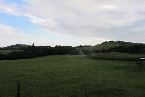 20120924 26 028 Jakobus Hügel Wald Wiese Wolken